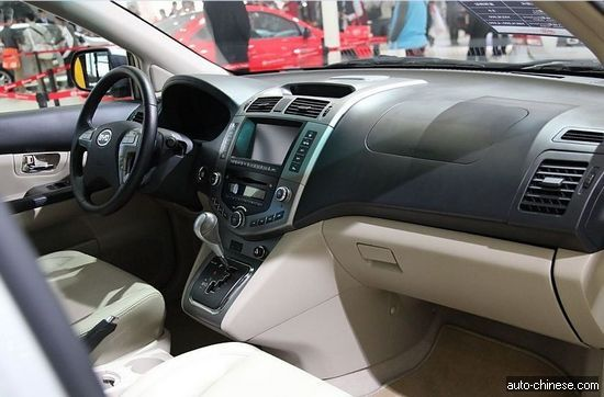 BYD SUV S6 DM Review - China's Lexus RX (2)