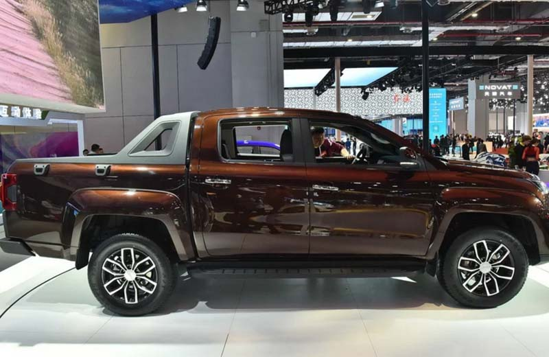 JMC Debuted Its Flagship Pickup YUHU-9 at 2019 Shanghai Auto Show, Matched with ZF 8AT