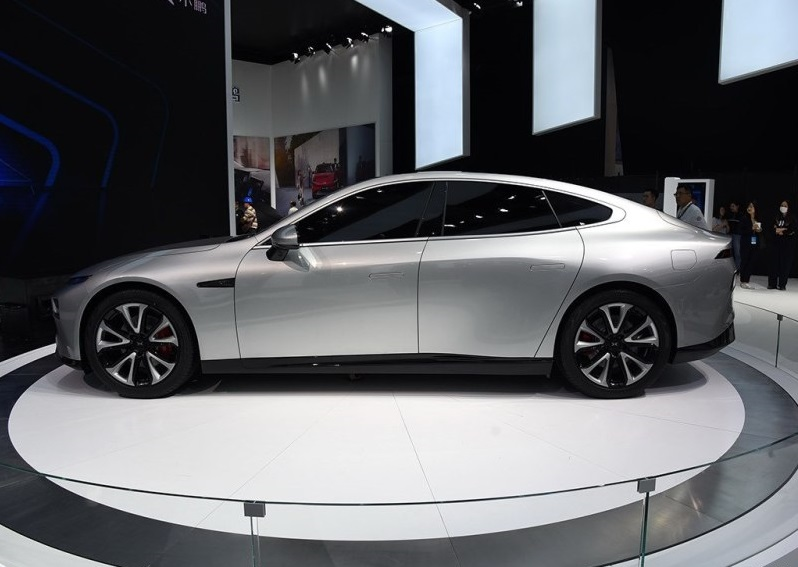 Xpeng Motors Debuted Its Electric Coupe Xpeng P7 on Shanghai Auto Show, Range will be up to 372miles