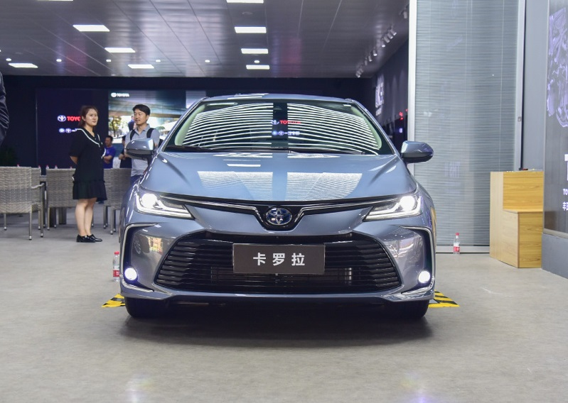 All-New Toyota Corolla Launched in China Market, Powered by 1.2T & 1.8L Hybrid, Features 12.1in Display