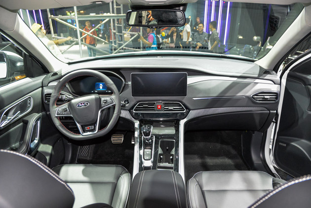 JAC Ruifeng (Refine) S7 PRO Made Its Debut on 2019 Guangzhou Auto Show