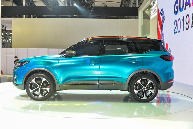 All-New Chery Tiggo 7 Teaser Car Debuted on 2019 Guangzhou Auto Show