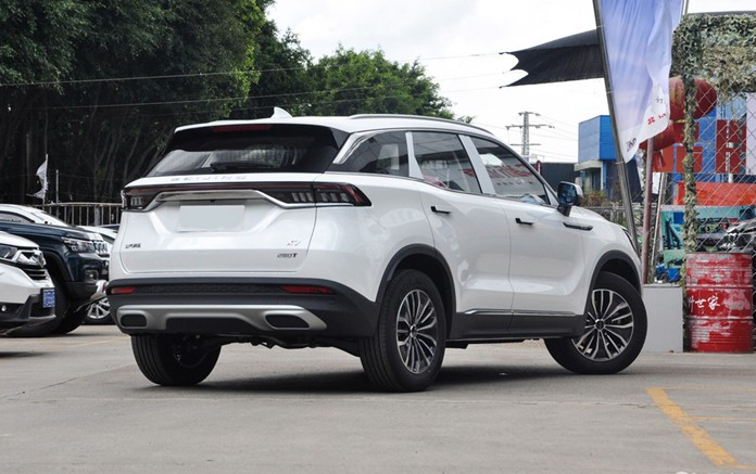 BAIC Beijing X7 get launched in the Chinese market with price started at 104,900yuan