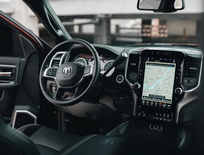Must-Have Car Safety Features in Modern Cars